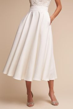 High-waisted and falling below the knee in a flattering A-line silhouette, this classic circle skirt stands out with clean lines and just a bit of flounce. We love it with the Havana Corset Top. Pictured with Havana Corset Top Bhldn Wedding Dress, Tea Length Wedding Dress, Backless Wedding, Wedding Gowns, Wedding Tips, Wholesale Wedding Dresses, Cheap Wedding Dresses Online, Wedding Dresses Photos, Wedding Dress Shopping