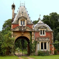 Gatehouse at Brockenhurst Park - Hampshire, England Unique Buildings, Old Buildings, Beautiful Buildings, Beautiful Architecture, Architecture Details, Beautiful Castles, Beautiful Places, Gate Way, Small Castles