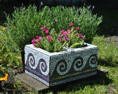 Upcycled mosaic cinder block garden planter-purple tile and white glass wave motif Upcycled Mosaik Asche Block Garten Pflanzer-lila Fliese und weißes Glas Wellenmotiv Herb Garden Planter, Garden Art, Garden Design, Garden Mosaics, Garden Boxes, Bonsai Garden, Outdoor Projects, Garden Projects, Garden Tips