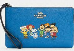Peanuts Snoopy, Coach Of The Year, Disney Fabric, Friends, Coach Bags, Vintage Ladies, Handmade Items, Ebay, Zip