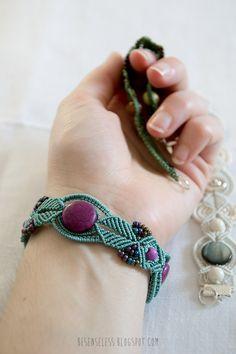 Micro macrame bracelets with beads - Bracciali in micromacrame con perline e pietre