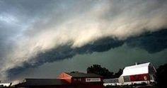 Nature's Destructive Wind Storms - Derecho