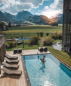 """Discover Hotels 🏖 on Instagram: """"Beautiful morning from Austria, seen by Pati & Domi 👫(📷: @bless.travel) 🏔💦 Happy weekend everyone 🌥🌤☀️ . #Discover_Hotels 🇦🇹…"""""""