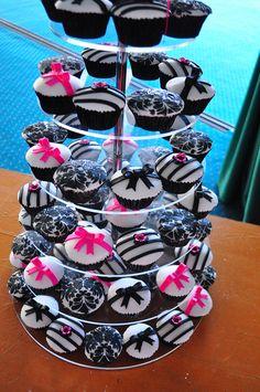 Black, Pink & White Cupcakes !
