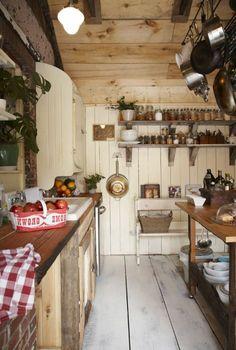 la cuisine en bois massif en beaucoup de photos - Rustikale Primitive Kchen