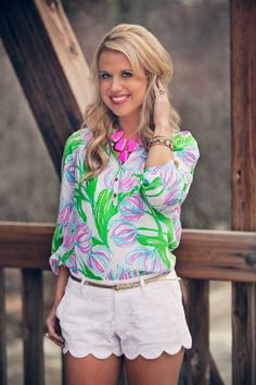 Lilly Pulitzer Elsa Top in Ring the Boy & Buttercup Scallop Hem Short worn by @editbylauen