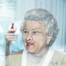 São muito engraçados esses anúncios impressos para Nikol, uma marca de toalhas úmidas para limpeza de janelas.