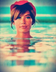 Francoise Hardy: seriously one of the most beautiful and sexiest women ever. I love these bangs!