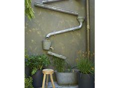 Backyard Small Diy Water Features Ideas For 2019 Rustic Gardens, Outdoor Gardens, Small Gardens, Courtyard Gardens, Outdoor Projects, Garden Projects, Art Projects, Dream Garden, Garden Art
