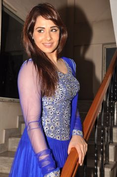 Actress Mandy Takhar New Photos