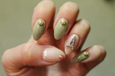 Jersey Girl, Texan Heart: Born Pretty Mani Monday with 3d motifs and an Eiffel Tower