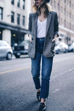 Boyfriend blazer, vintage denim with raw hem, Gucci slides #streetstyle | The August Diaries