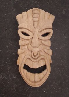Mask inspired by the Tiki culture in Polynesia - Made by Bart Deckers Tiki Statues, Tiki Totem, Dragon Sketch, Tiki Mask, Tiki Hut, Masks Art, Stained Glass Projects, Wood Carving, Sculpture Art