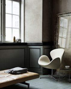 fritz hansen pk80 day bed  designer furniture  contemporary furniture