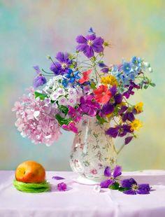 quenalbertini: Still Life with Flowers Arrangement Arte Floral, Deco Floral, Still Life Art, Still Life Photography, Pastel Photography, Ikebana, Flower Art, Floral Arrangements, Beautiful Flowers