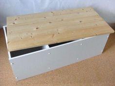 接着するだけで簡単にできる、カラーボックスを使ったベンチの作り方をご紹介します。(2ページ目)
