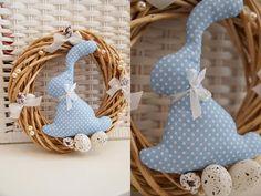 Wielkanocny wiosenny wianek-zając niebieski kropki