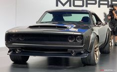 Vintage Trucks Muscle 1968 Dodge 'Super Charger' Muscle Car Concept Takes SEMA Show by Storm - Dodge Muscle Cars, Best Muscle Cars, American Muscle Cars, Pontiac Gto, Chevrolet Camaro, Models Men, Mini Car, Dodge Srt, Dodge Challenger
