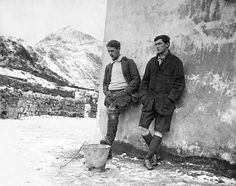 Mountaineers Andrew Irvine (L) and George Mallory (R) who died on Mt. Everest in an attempt to reach its summit in 1924.