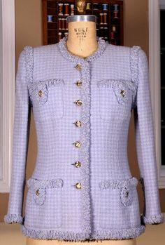 Tweed & Bouclé: The Classic Cardigan Jacket EmmaOneSock Sewing Articles