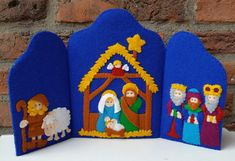 Nativity triptych DIY felt kit by OwlsCityCreations on Etsy Felt Christmas Ornaments, Christmas Nativity, Christmas Crafts, Christmas Decorations, Christmas Printables, Felt Diy, Felt Crafts, Carton Diy, Diy Gifts For Men