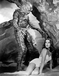 Creature from the Black Lagoon is a 1954 Classic Cult horror Movie and one of the first movies ever. Retro Horror, Horror Icons, Sci Fi Horror, Vintage Horror, Sexy Horror, Julie Adams, Scary Movies, Old Movies, Tv Movie