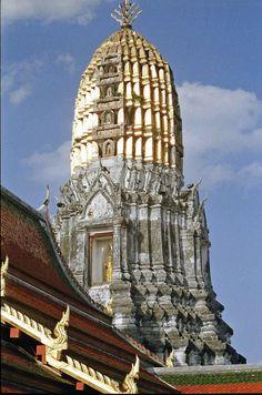 ©UdoSm - Phitsanulok; Wat Phra Sri Rattana Mahathat.