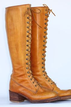 Tall vintage Black Label Frye marbled banana leather lace up campus riding boots 7 B in excellent condition- In my dreams these are mine.