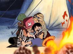 Luffy Zoro Usopp Chopper | Nada melhor como dormir juntos e abraçadinhos não é? Hahaha..| Gif