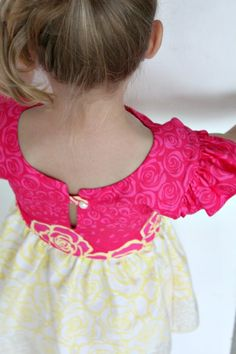 Little Girls Flutter sleeve dress sewing tutorial & Little Girls Flutter sleeve dress sewing tutorial | Dress ... pillowsntoast.com