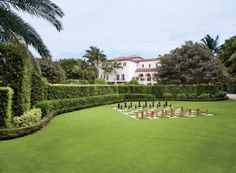 After, Lawn David Easton Restores a Palm Beach Landmark to its Former Glory Photos Southern Living, Florida Mansion, Residential Landscaping, Palm Beach Florida, Indoor Outdoor Living, Outdoor Spaces, Outdoor Ideas, Outdoor Seating, Patrick Dempsey
