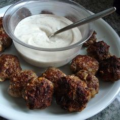Orientalische Fleischbällchen mit Joghurtdip - Glutenfrei Backen und Kochen bei Zöliakie. Glutenfreie Rezepte, laktosefreie Rezepte, glutenfreies Brot