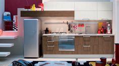 Bucataria Joy nu ocupa prea mult loc, are corpuri suspendate, faciliteaza accesul rapid la toate compartimentele si ofera o multime de spatiu destinat depozitarii. Kitchen Cabinets, Start Time, Design, Home Decor, Revolution, Kitchen Ideas, Kitchens, Places, Inspiration