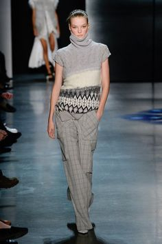 Prabal Gurung Fall 2018 Ready-to-Wear collection, runway looks, beauty, models, and reviews.
