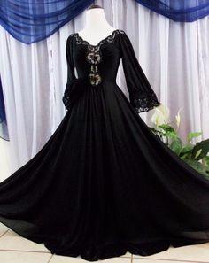 M.Vtg.Jet black Olga,rare sleeves sweep,lace vintage nightgown nightie full #Olga9287