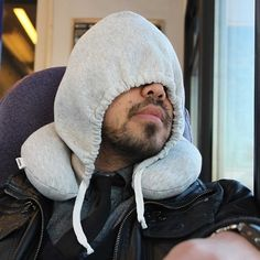 An inflatable neck pillow (with a hood) so you can enjoy some anti-social sleep from the comfort of economy class. 36 Travel Products You Can Get On Amazon That People Actually Swear By Jet Lag, Inflatable Neck Pillow, Neck Pillow Travel, Travel Pillows, Neck And Shoulder Pain, Natural Contour, Shark Tank, Travel Light, Last Minute Gifts