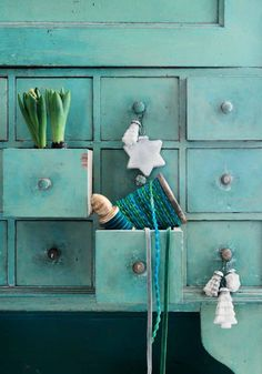 from Affari katalog - Shades of Aqua - Pinned onto ★ ★ Chalet Turquoise, Deco Turquoise, Turquoise Cottage, House Of Turquoise, Bleu Turquoise, Teal Blue, Azul Tiffany, Tiffany Blue, Shades Of Turquoise
