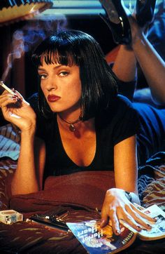 """1994 Bill Fletcher(wig by) - Uma Thurman as Mia Wallace in """"Pulp Fiction"""" Uma Thurman Pulp Fiction, Arte Do Pulp Fiction, Film Pulp Fiction, Fiction Movies, Cult Movies, Science Fiction, Indie Movies, Iconic 90s Movies, Iconic Movie Posters"""