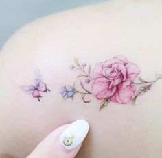 90 Amazing Tattoo Designs for Women in 2018 - TattooBlend - Dainty flowers by Mini Lau J'aime bcp la délicatesse du papillon - Mini Tattoos, Dainty Tattoos, Dream Tattoos, Pretty Tattoos, Beautiful Tattoos, Body Art Tattoos, Small Tattoos, Sleeve Tattoos, Tatoos