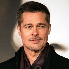 Brad Pitt Crew Cut Haircut - Best Brad Pitt Haircuts: How To Style Brad Pitt's Hairstyles, Haircut Styles, and Beard #menshairstyles #menshair #menshaircuts #menshaircutideas #menshairstyletrends #mensfashion #mensstyle #fade #undercut #bradpitt #celebrity #bradpitthair Brad Pitt Short Hair, Short Hair Man, Cool Mens Haircuts, Hairstyles Haircuts, Haircuts For Men, Brad Pitt Hairstyles, Brad Pitt Haarschnitt, Brad Pitt Fury Haircut, Crew Cut Haircut