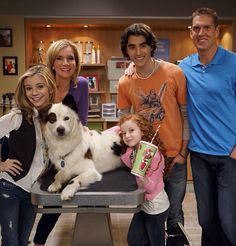G Hannelius / Francesca Capaldi / Blake Michael / Beth Littleford / Dog with a Blog