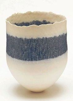 Dot patterned pot (U
