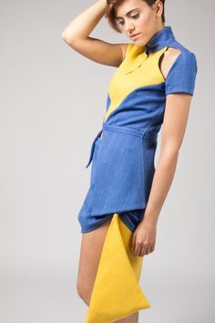 Outfit. Asymmetrical skirt and top. Made of jute and organic denim. Design by Rebeca Elich