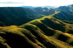 O Parque Estadual da Serra do Rola Moça é uma das mais importantes áreas verdes de Minas Gerais. Situado na região metropolitana de Belo Horizonte, é o terceiro maior parque em área urbana do país e abriga alguns dos mananciais que abastecem a capital.