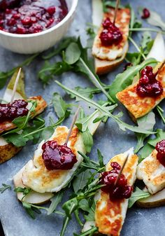 Halloumi, Silvester Snacks, Mini Foods, Antipasto, Easy Snacks, Food To Make, Good Food, Food And Drink, Appetizers