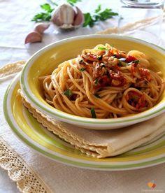 Spaghetti alla marinara http://blog.giallozafferano.it/graficareincucina/spaghetti-alla-marinara/