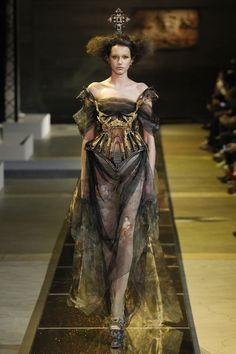 Défilé Guo Pei Haute couture printemps-été 2017 5