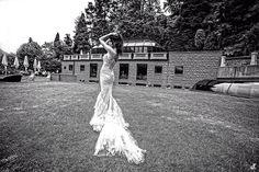 Dal Canada per amore ....Alessandro Tosetti per TOSETTI Foto Daniela Tanzi www.tosettisposa.it   #abitidasposa2016 #wedding #weddingdress #tosetti  #abitidasposo #abitidacerimonia #abiti #tosettisposa #nozze #bride #modasottolestelle #agenzia1870 #alessandrotosetti #domoadami #nicole #pronovias #alessandrarinaudo #realtime #l'abitodeisogni #simonemarulli #aireinbarcellona #rosaclara'#airebarcellona # زواج #брак #فساتين زفاف #Свадебное платье #حفل زفاف في إيطاليا #Свадьба в Италии
