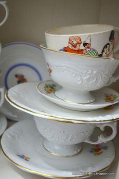 antigas xícaras Porcelana Real com tema desenho infantil: