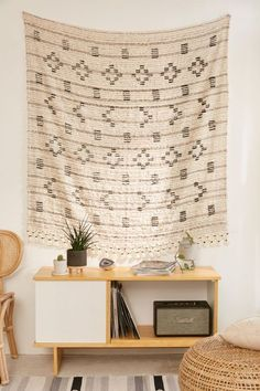 Dreaming of a boho dorm room? Check out the ultimate list of boho dorm decor essentials to create the coziest room on campus. My Living Room, Living Room Interior, Living Room Furniture, Living Room Decor, Living Area, Contemporary Interior Design, Home Interior Design, Luxury Interior, Cheap Home Decor